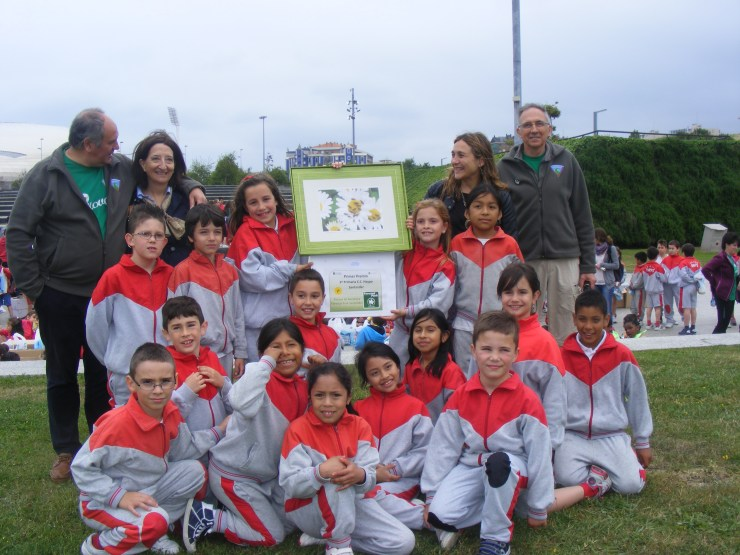 Los alumnos de 3º de Primaria del C.C., Haypo celebraron el primer premio a lo grande.